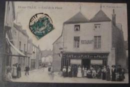 H6 *   is sur tille caf� de la place  ( et du palais 1912 tr�s belle animation