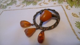 Art Deco Vintage Latvian USSR Jewelry Brooch With Baltic Amber Gemstone 1930s - 16 Gram - Brooches