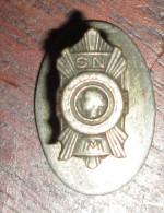 Insigne De Boutonnière Médaillés Militaires - Insignes & Rubans