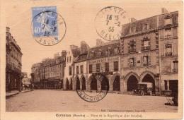 FR-50: CARENTAN: Place De La République (Les Arcades) - Petite CPSM écrite En Bon état - Carentan