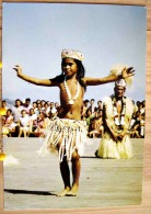 TAHITI DANSE TAHITIENNE TAHITIAN DANCE  PETITE DANSEUSE PHOTO JOE KWAN SCAN R/V - Pin-Ups
