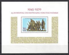 Germany (DDR) 1970  25 Jahrestag Befreiung Vom Faschismus  (**) MNH  Mi.1572  (block 32) - DDR