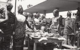 CONGO / KINSHASA / 2 CARTES PHOTOS / MARCHE AUX POISSONS ET FRUITS LEGUMES * - Kinshasa - Léopoldville
