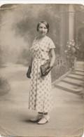 Photographie Ancienne Portrait D´une Jeune Femme élégante - Photo Le Merdy à Concarneau - Personnes Anonymes