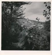Photo Amateur 1960 Noir Et Blanc Estaing - Aveyron - Lieux