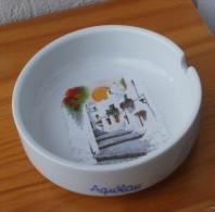 Cendrier en porcelaine d�Espagne souvenir d�Aguilas