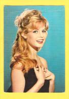 Postcard - Brigitte Bardot        (V 23757) - Actors