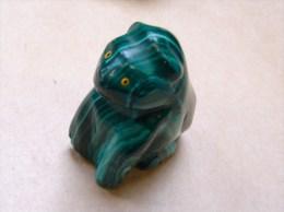 PA. 12. Petit ours ?  en malachite