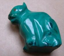 PA. 14. Petit chat  en malachite