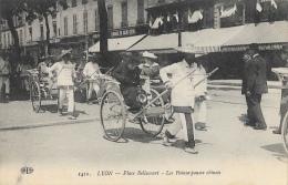 Lyon - Place Bellecourt - Les Pousse-pousse Chinois (Rickshas) - Edition E.L.D. N°1410 - Lyon