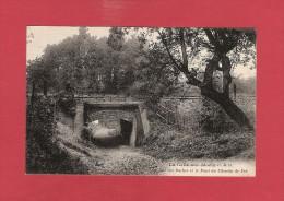 * CPA..dépt 77..LA CELLE Sur MORIN :  La Rue Des Roches Et Le Pont Du Chemin De Fer    : Voir Les 2 Scans - Autres Communes