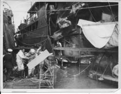 British Navy Salonique Plongeurs Scaphandriers Réparant Un Navire Torpillé Marine 1 Photo 14-18 1914-1918 Ww1 Wk1 - Guerra, Militari