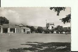CAR8   --   BANGUI  ( A.E.F. )   --   LA PLACE EDOUARD RENARD  --   OLD CAMION - Zentralafrik. Republik