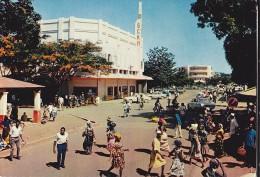 BANGUI  Avenue De L' Indépendance - Centraal-Afrikaanse Republiek