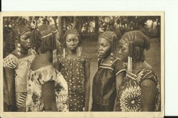 CAR28   --     ( A.E.F. )   --   OUBANGUI - CHARI  ---   FILLES DU SULTAN DE RAFAI  --   GIRLS - Centraal-Afrikaanse Republiek