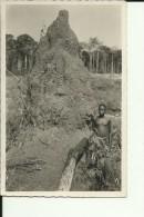 CAR30   --    OUBANGUI  ( A.E.F. )   --   TERMITIERE    --   BOY  --  REAL PHOTO PC - Centraal-Afrikaanse Republiek