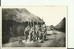 CAR36   --    OUBANGUI - CHARI  ( A.E.F. )   --   PILLAGE DU MIL  --   NUDE - Zentralafrik. Republik