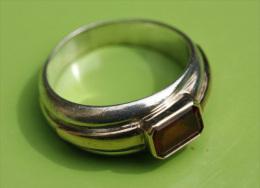 Très Belle Bague Or Et Argent (14k & 925e) Poinçonnée 9gr Avec Pierre Rouge (rubis ? à Déterminer) - Gold & Silver Ring - Rings