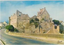 Beaumont-sur-Sarthe.  Le Chateau. - Beaumont Sur Sarthe