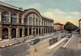 """02991  """"TORINO - PORTA NUOVA E C.SO VITT. EMAN. II"""". ANIMATA. AUTO TRAM E BUS  ´50.  CARTOLINA ORIGINALE. SPEDITA 1956. - Stazione Porta Nuova"""