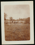 Photo (1932) : Course De Chevaux, Obstacle, Cross-country Dans La Campagne, Jockeys - Sport