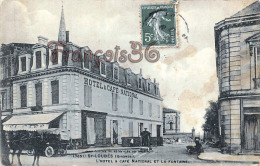 (33) Saint St Loubès, Près De Bordeaux - L'Hôtel Et Café National Et La Fontaine - Bon état Légères Tâches - 2 SCANS - France