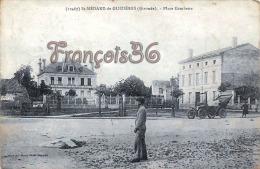 (33) Saint St Médard De Guizières - Place Gambetta - Voiture Automobile - En état : Tâches - 2 SCANS - France
