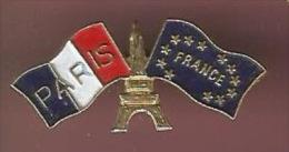41677-Pin's.Drapeau.Paris .la Tour Eiffel... - Villes