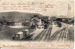 88 BRUYERES - La Place De La Gare Et Intérieur De La Gare - Bruyeres
