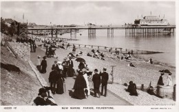 Postcard - Folkestone Victoria Pier & New Marine Parade, Kent. 10228-12 - Folkestone