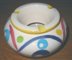 Cendrier marocain en porcelaine blanc + motifs  8.5 x 13 cm
