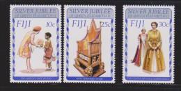 Fiji 1977 QEII Silver Jubilee Set 3 MNH - Fiji (1970-...)