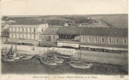 GRAU - DU - ROI  /  Barques  De  Pêcheurs  Sur  Le  Canal - Le Grau-du-Roi