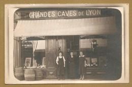 BELLE CARTE PHOTO, à  Identifier - GRANDE CAVE DE LYON - Métier - MARCHAND De  VIN - COMMERCE - TONNEAUX - Lyon