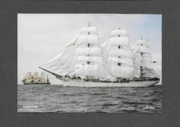 BATEAUX - VOILIERS - SAILLING SHIP - DAR POMORZA -  GRAND VOILIER MAGNIFIQUE - BUILT IN 1910 - PHOTO BEKEN - Veleros