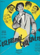 PUBLICITE DE  PRESSE -MANUEL D´EXPLOITATION - FILM : C'EST PAS MOI, C'EST L'AUTRE -ANNEE 1962 - Cinema Advertisement