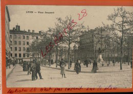 CPA 69 LYON Place Jacquard  Animé   FEVR 2015 DIV 221 - Lyon