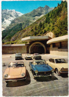 CPSM Dentelée Représentant Plusieurs Véhicules De Marque Italienne à L' Entrée Du Tunnel Du Mont Blanc   //  TBE - Turismo