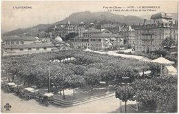 63. LA BOURBOULE. La Place Du Jet D'Eau Et Les Hôtels. 1029 - La Bourboule