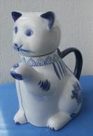 PICHET En Céramique En Forme De Chat Hauteur 18 Cm - Céramiques