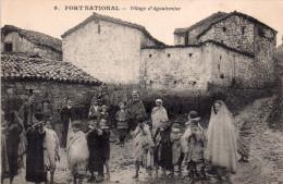 """Cpa Algerie """" Fort National """" Le Village D'agoulemine Anime - Autres Villes"""