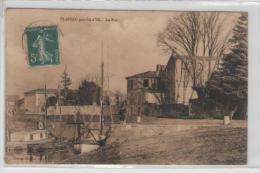 40  33   Plassac  Près Blaye  Le Port - France