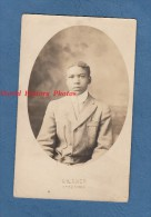 CPA Photo - OTTUMWA , Iowa - Portrait D'un Jeune Enfant Noir Américain - Afro-american - Photographie Giltner - Etats-Unis