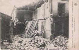 LES ZEPPELINS SUR PARIS CRIMES ODIEUX DES PIRATES BOCHES INTERIEUR D'UNE MAISON 1916 - Weltkrieg 1914-18