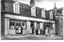 ANGERVILLE LA MARTEL - Café Des Colonnes - France
