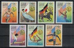 Mua188 SPORT OLYMPISCHE SPELEN PAARD ZWEMMEN OLYMPIC GAMES LOS ANGELES HORSE SWIMMING ATHLETICS GUINÉ-BISSAU 1984 PF/MNH - Ete 1984: Los Angeles