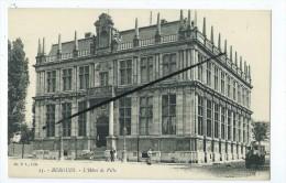 CPA - Bergues - L'Hôtel De Ville - Bergues