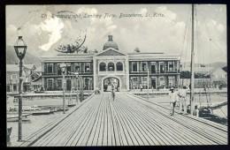 Cpa Antilles Saint Christophe Et Niévès St Kitts Basseterre  Treasury And Landing Place    JA15 23 - Saint-Christophe-et-Niévès
