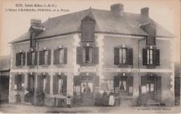 SAINT - GILLES ( I.&V. ) - L'Hôtel - CHARNAL - PINOUL - Commerçant, Remises, Ecuries - Personnages ( Carte Animée ). - Frankrijk