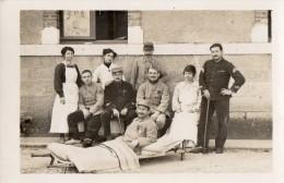 CPA 1237 - MILITARIA - Carte Photo Militaire -  Blessés & Infirmières - Hopital Non Situer - Personnages